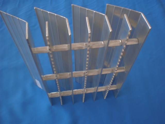 6063 aluminum trafficable louvers shutters trafficable platform