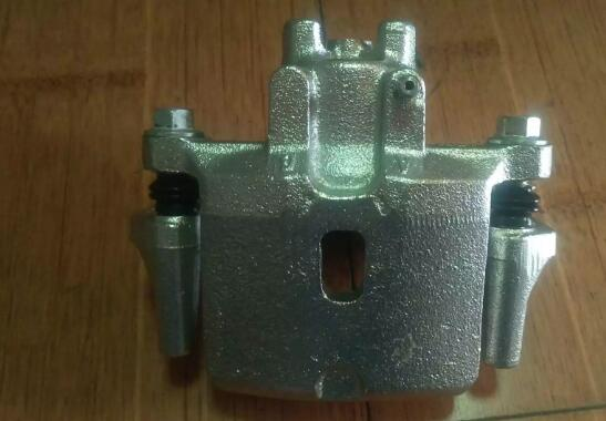 MITSUBISHI MONTERO brake caliper