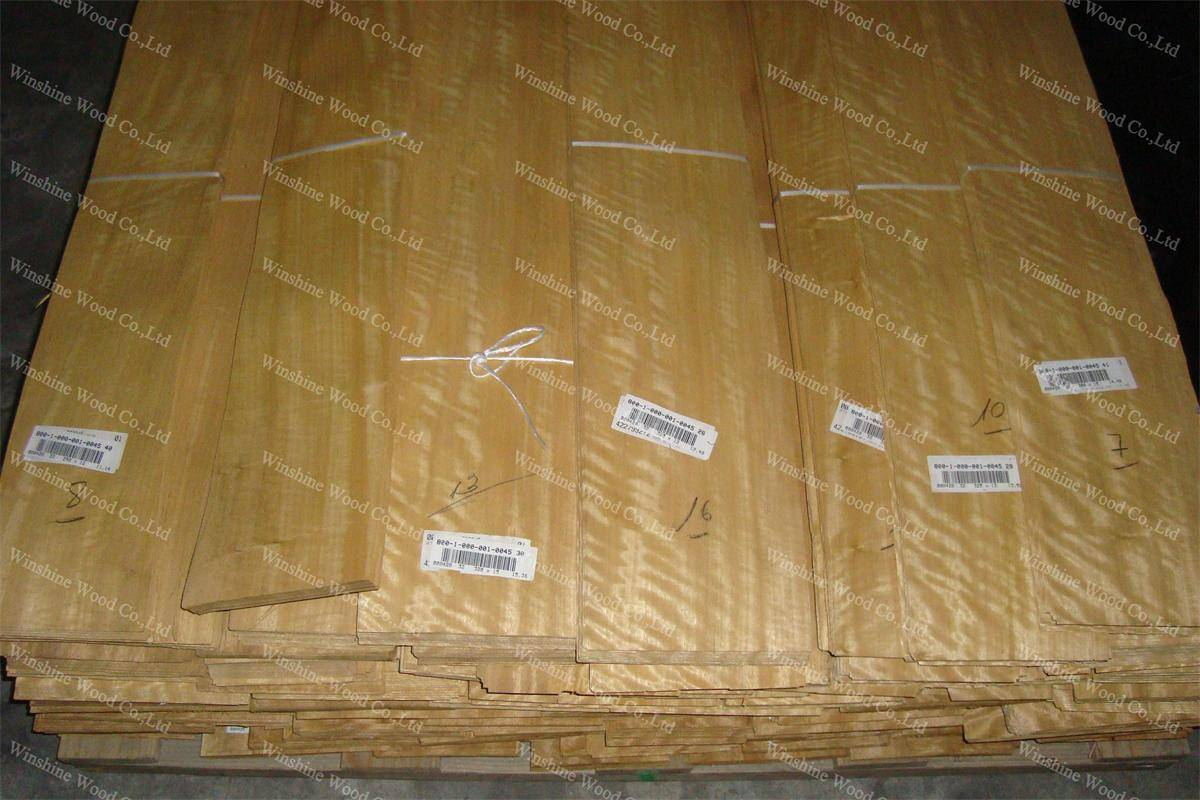 natural movingui wood veneer