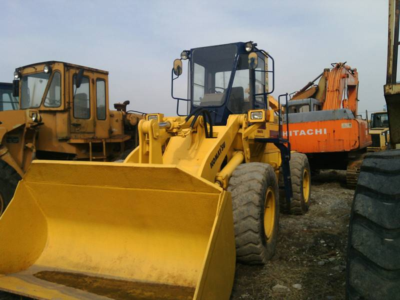 Used KOMATSU Loader WA320 in good condition