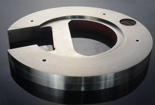 Grinding ball plates