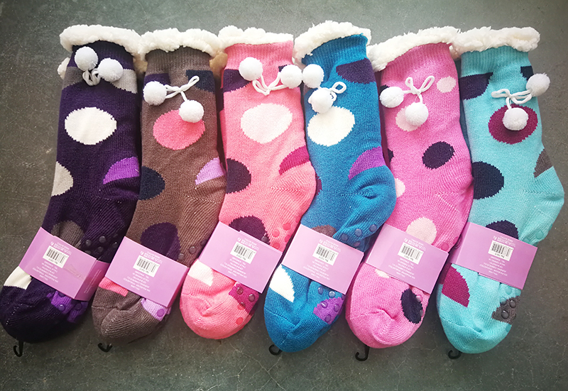 Polka Dots Fashion Home Comfort Socks Sherpa Lined Plush Socks With Pompom