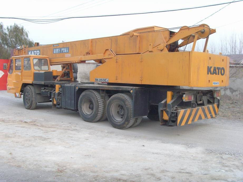 KATO NK250 25T used truck mounted crane for sale