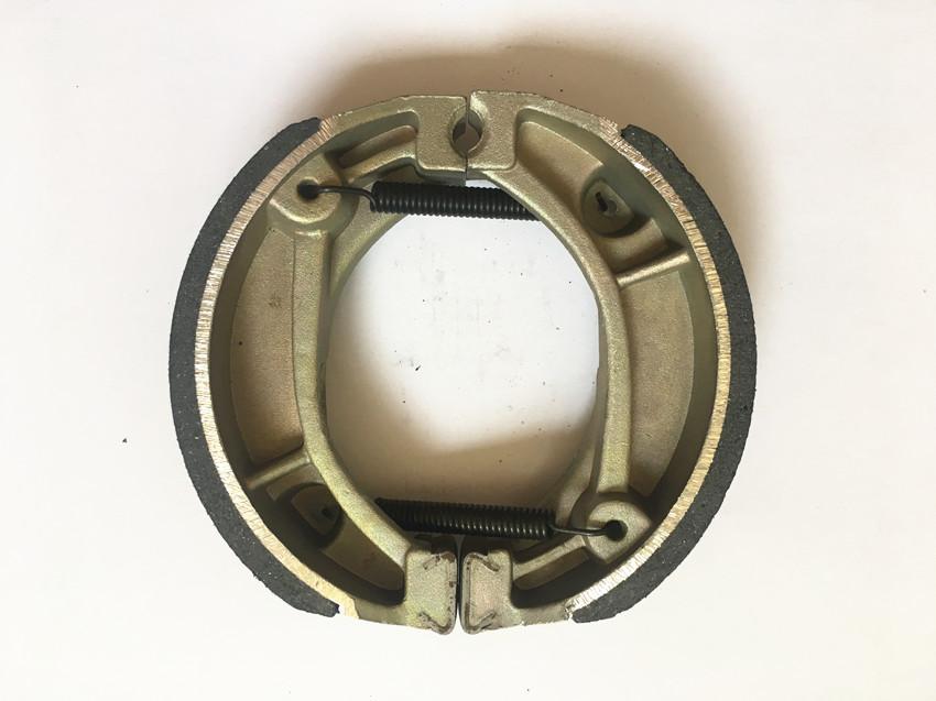 CD70 Brake Shoes for Honda,weightness of 160g,Non asbestos brake lining