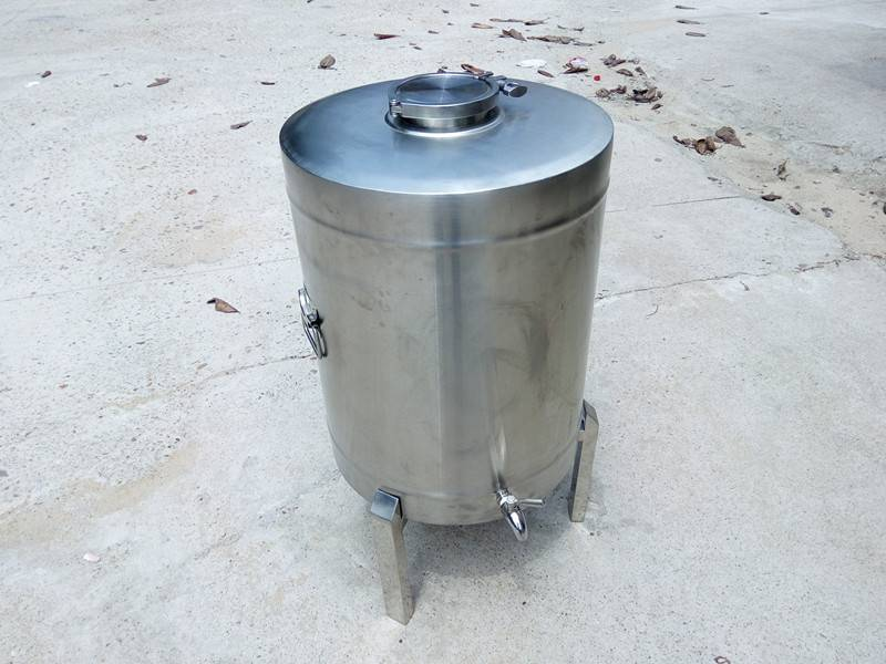 60 liter wine bucket with support and spigot