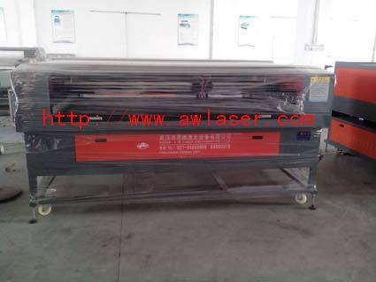 Leather  Laser Cutter Engraving Machine For Luggage