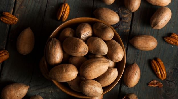 Pecan nuts,  Macadamia nuts, Groundnuts