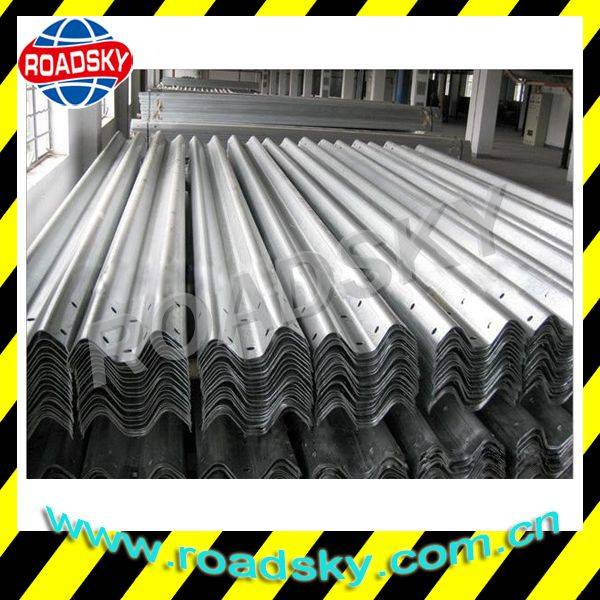 Corrugated Steel Thrie Beam Traffic Safety Guardrail