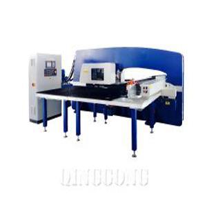 HYDRAULIC CNC TURRET PUNCHING MACHINE