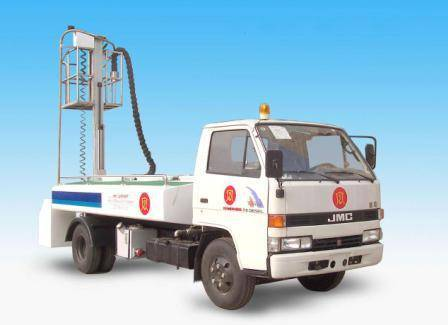 Lavatory ervice water truck