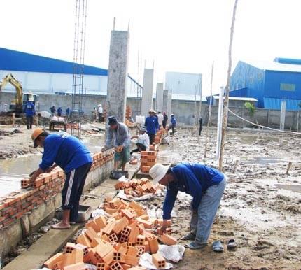 Construction worker Vietnam