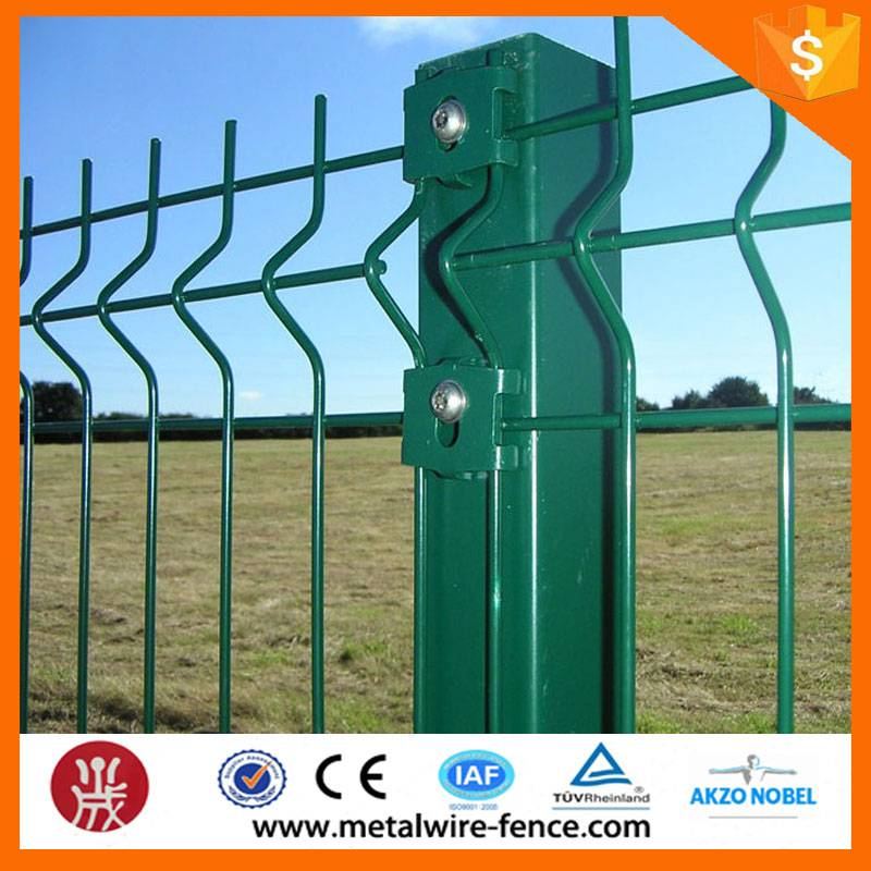shengxin design steel triangle bending fence / 3d curved welded wire mesh panel fence