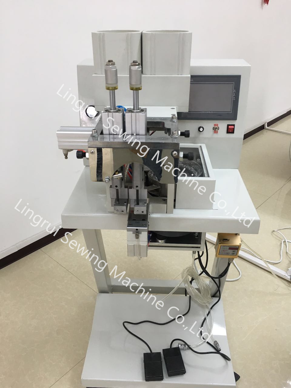 Automatic Pear and Nail Attaching Machine