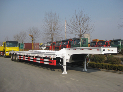 Three axles Low bed semi trailer