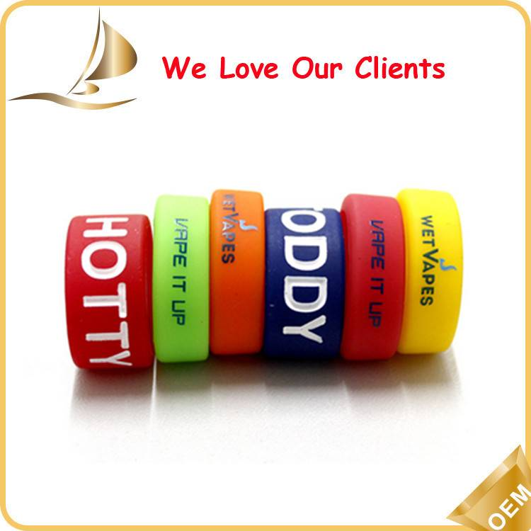 Small lovely popular silicone wedding ring with teething