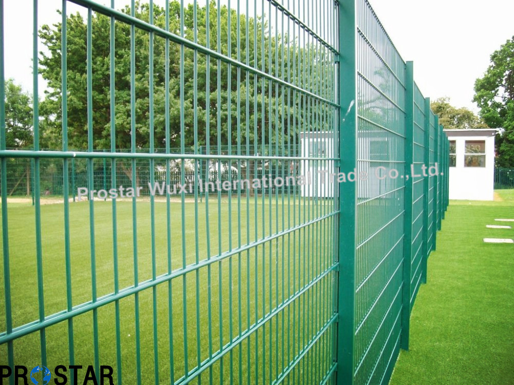 Multiple Size Double-Wire Welded Fence