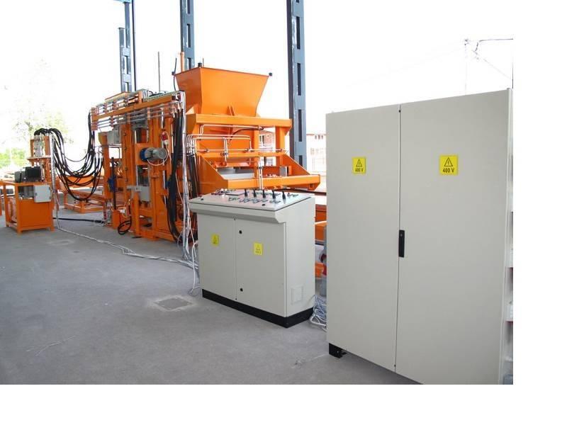 Concrete block machine Sumab U-1500
