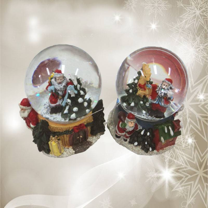 Polyresin Christmas Santa Water Globe