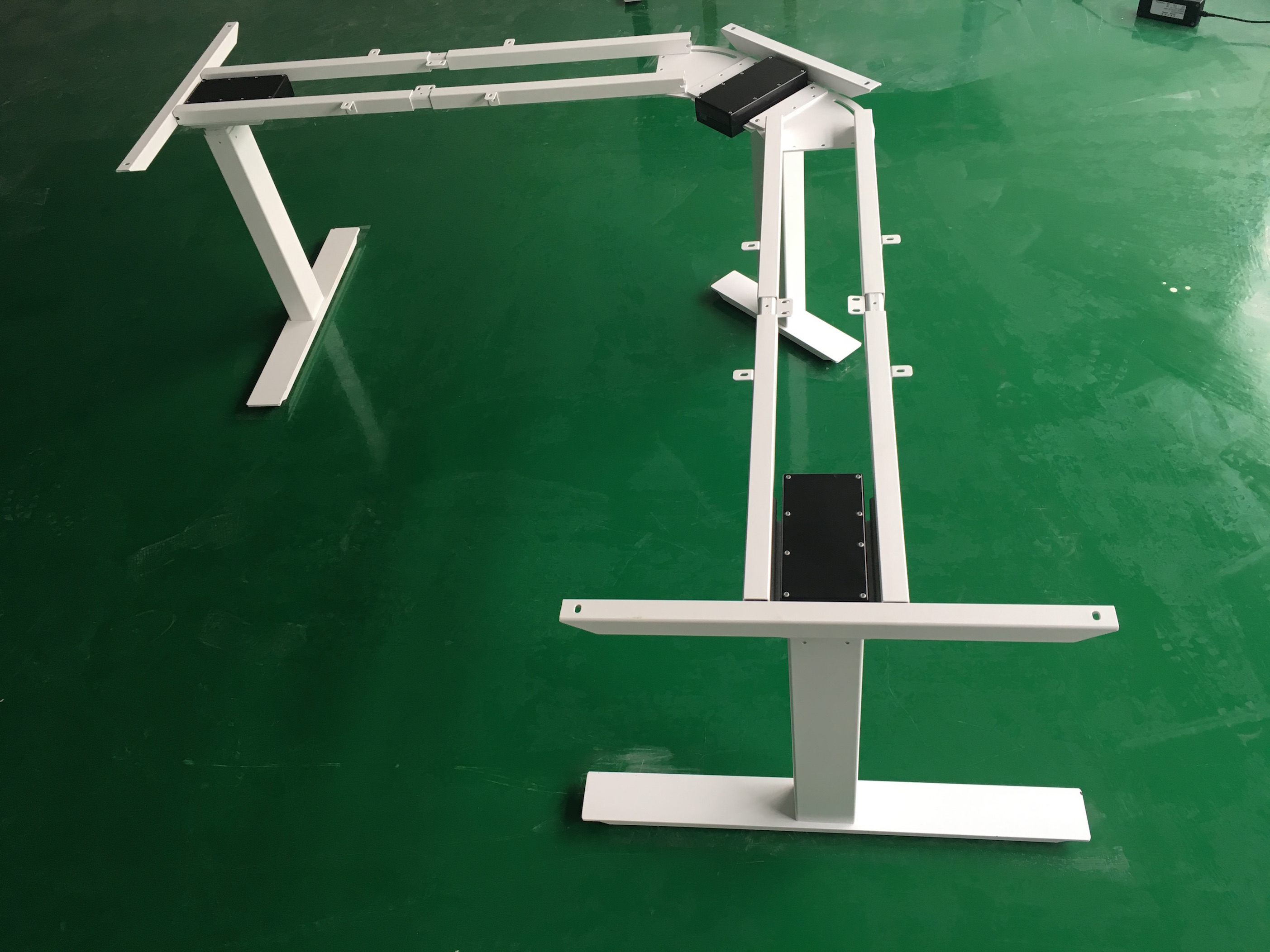 L type height adjustable desk with electric operation system