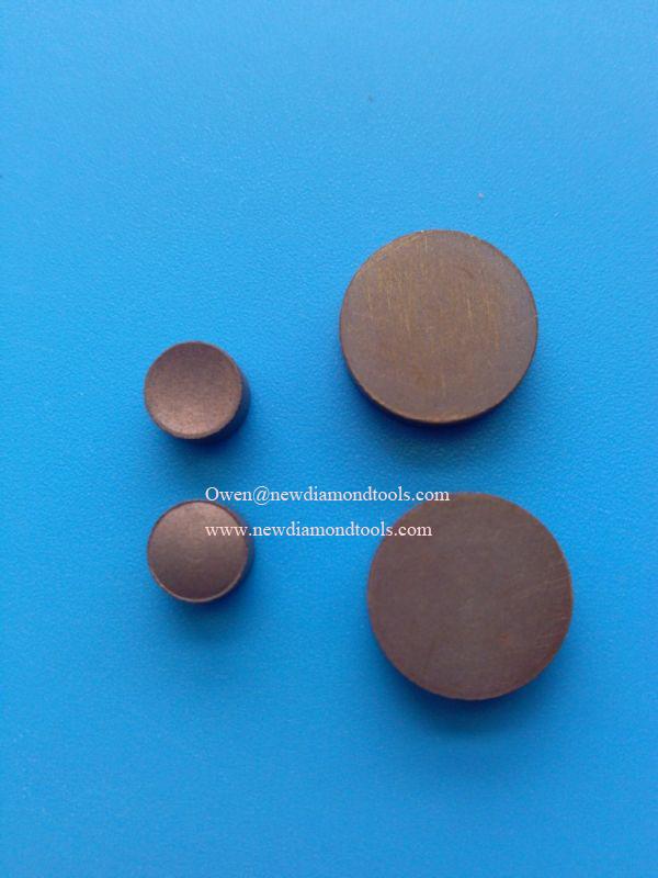 Diamond polishing pellet for optical glass