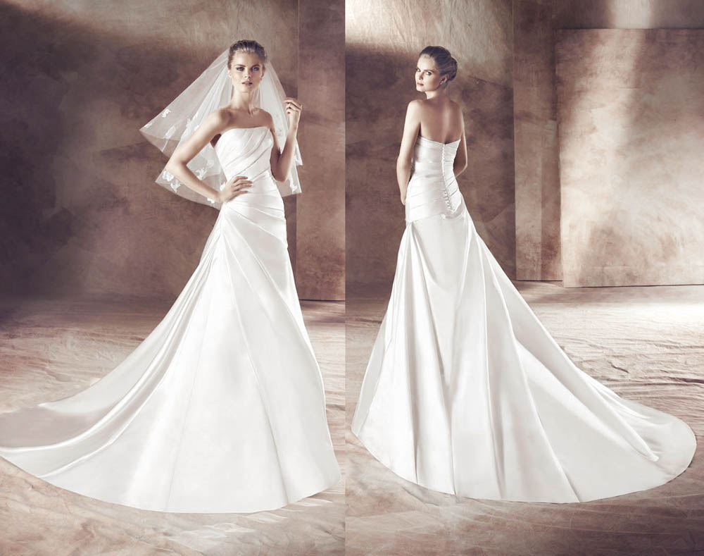 Strapless Wedding Dress with pleats Buttons
