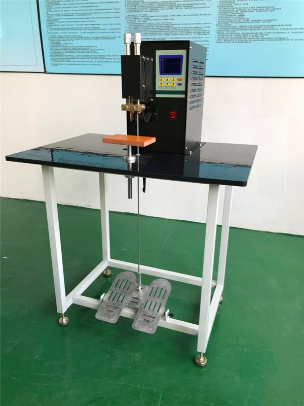 Professional energy storage DC spot welding machine which is strong