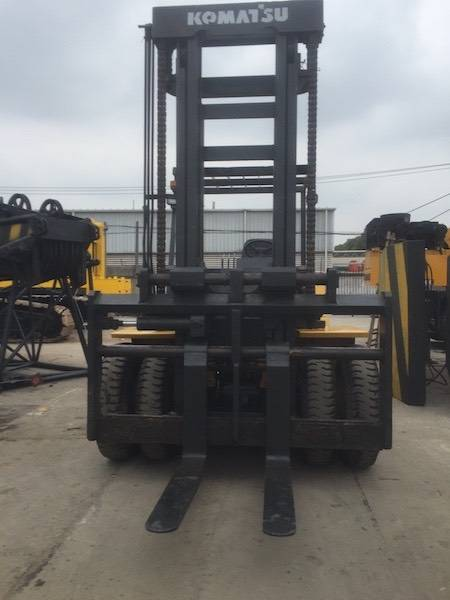 USED KOMATSU FORKLIFT 15TON FD150T-7 MADE IN JAPAN WITH HIGH QUALITY