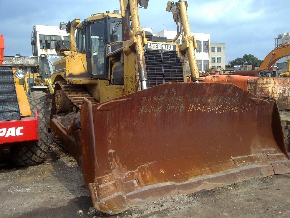 Used CAT Crawler Bulldozer D8R In Stock for sale with good worked