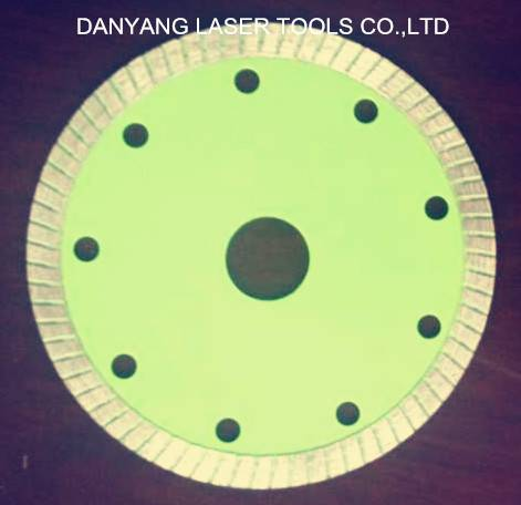 Diamond Saw Blade for Cutting Ceramic Tiles with Super Thin Turbo