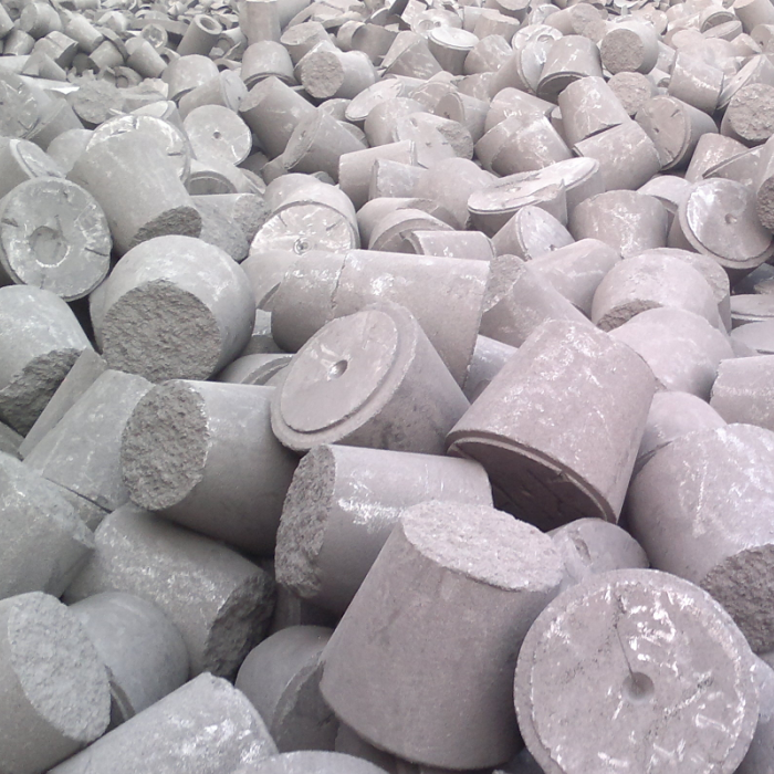 Large size graphite electrode scrap as carbon raiser for steel industry