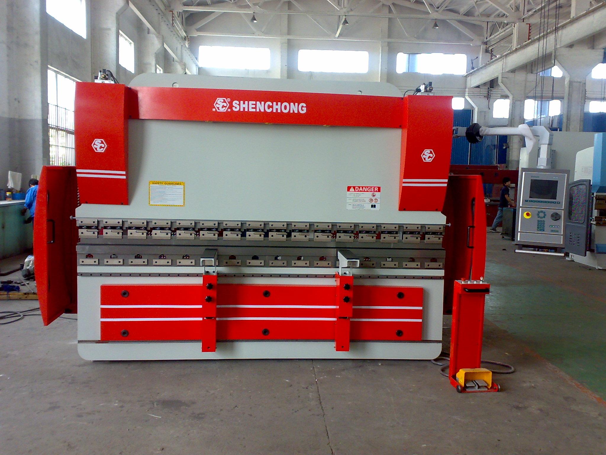 CNC Hydraulic press brake 160T3100mm 4+1axis DELEM 65W
