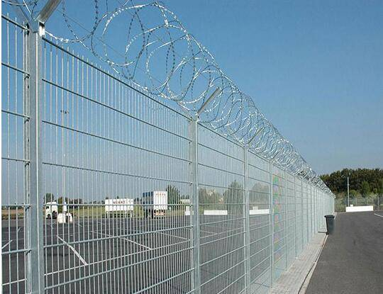 China Hebei PVC airport perimeter wire fencing/airport fence factory