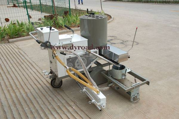 Self-propelled Tow-component Road Marking Machine