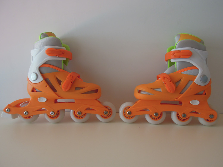 Adults Inline Skate shoes with adjusting sizes