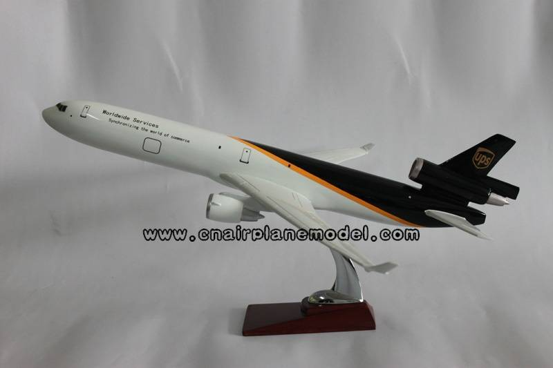 resin model airplane MD-11 UPS 47cm
