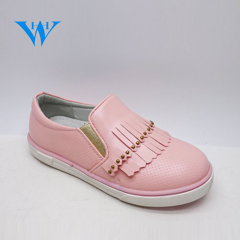 Fashion design girls casual pink shoes flexible girls slip on tassel pu sneakers