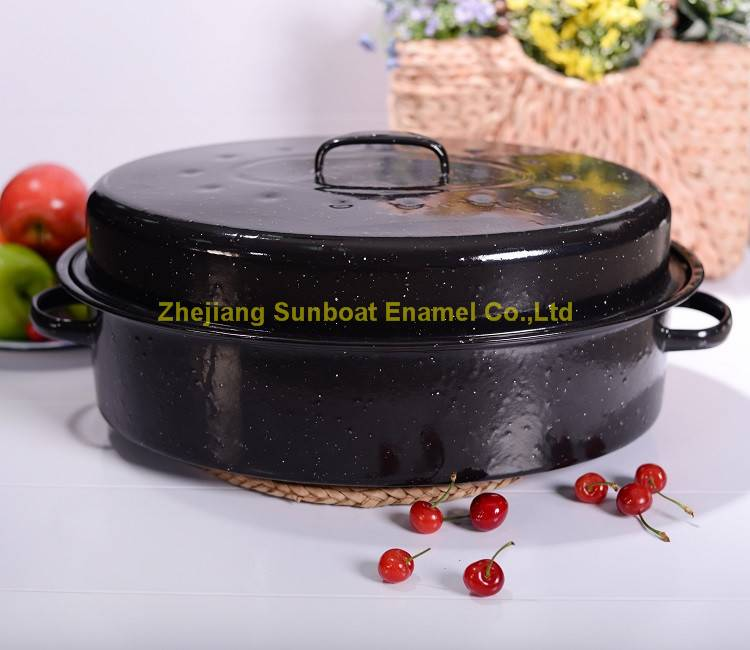 Sunboat heavy enamel oval roaster with cover and rack