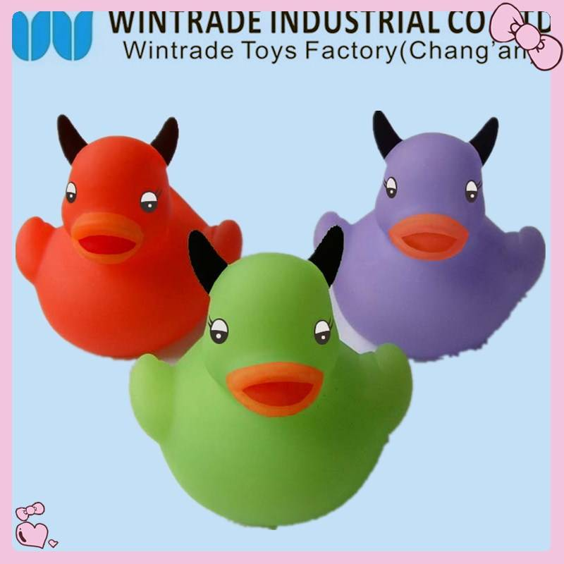 WF-floating rubber bath duck baby toy