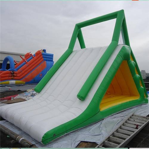 Durable 0.9mm PVC Childrenc / Iceberg for Ocean or Swimming Pool