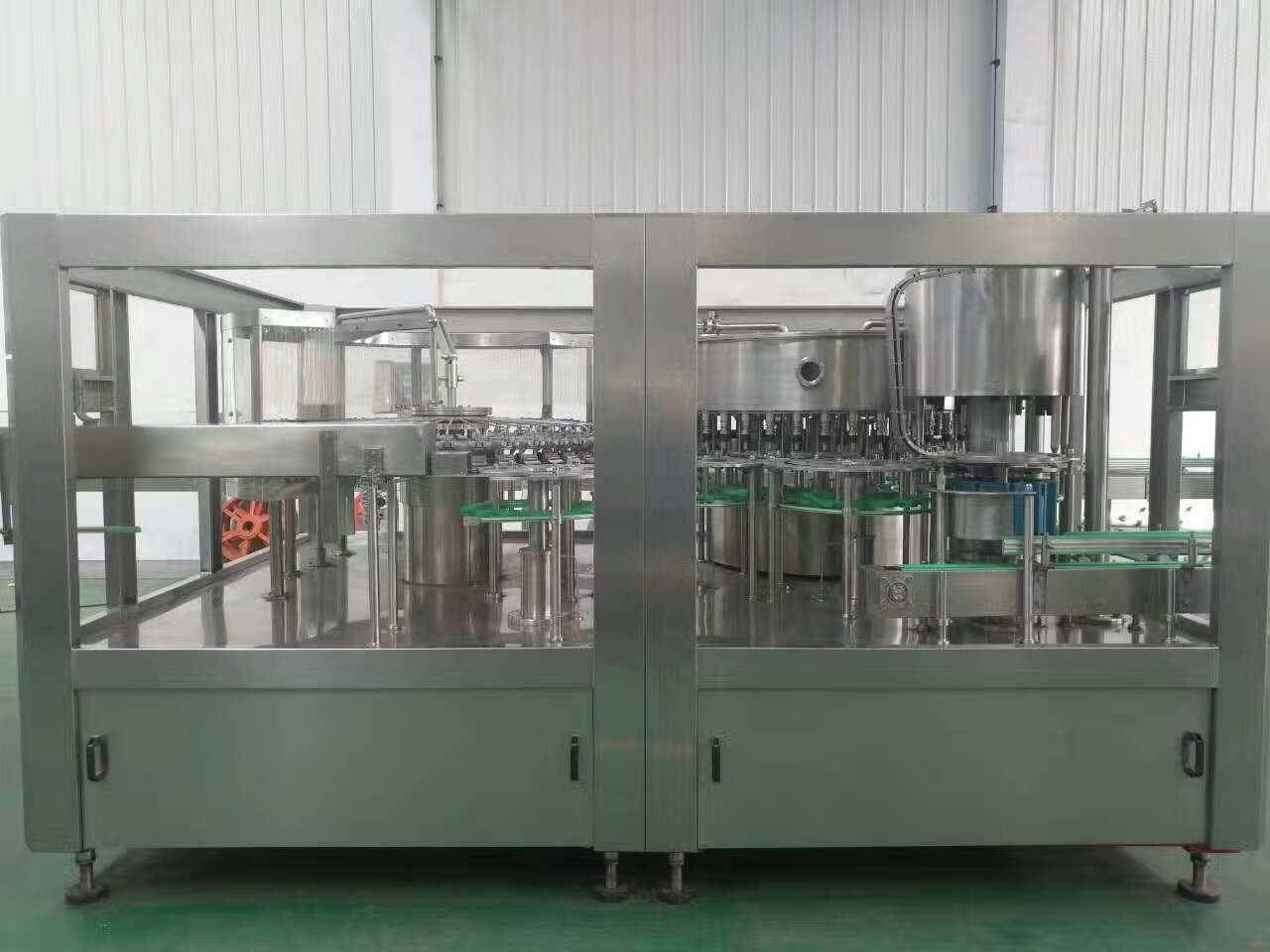 China Manufacturer of Monoblock PET Bottle Water Bottling Machine