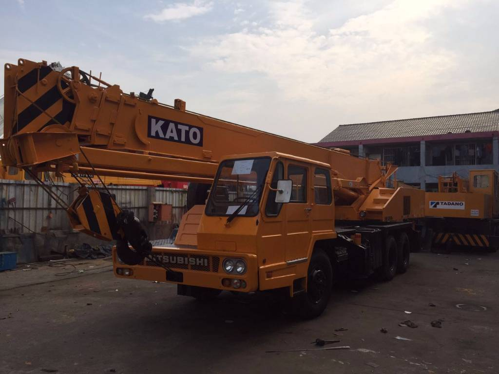 used NK250E-V truck mobile crane for sale in low price with high quality