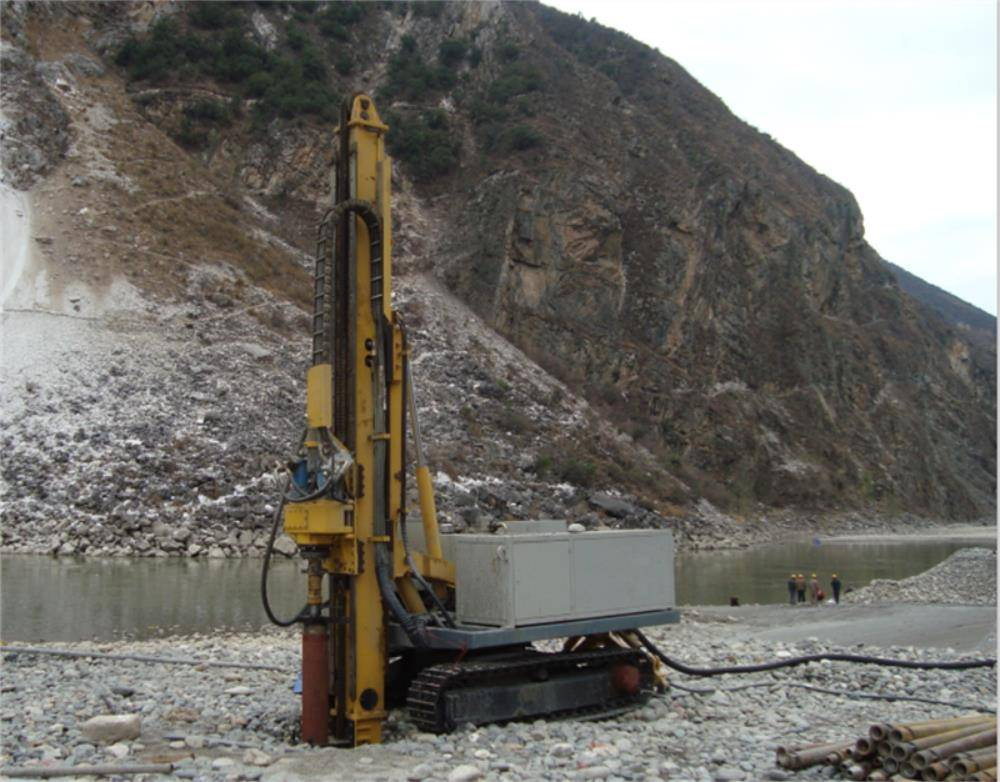 GL-4000 Crawler-type full hydraulic drilling rig