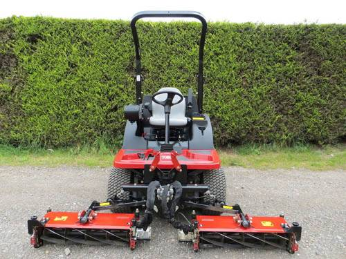 TORO CT2140 CYLINDER MOWER, KUBOTA ENGINE ONLY 96 HOURS