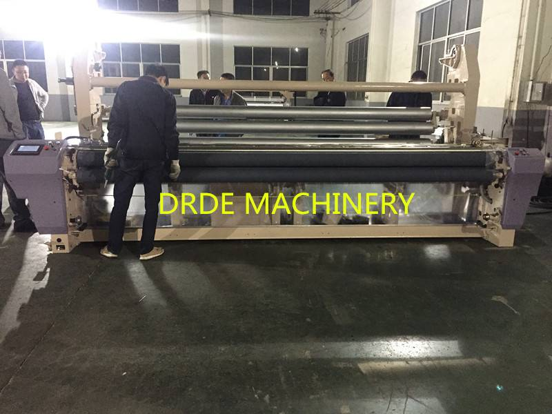 340cm WATER JET LOOM WITH DOUBLE BEAM ATTACHMENT