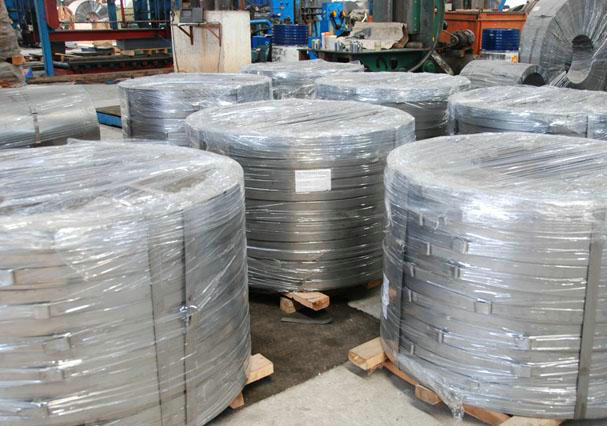 300mm width hot dipped galvanized steel strip
