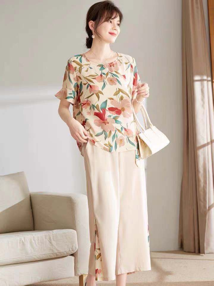 Young mother summer chiffon top 40 years old 50 middle-aged women's short sleeves small shirt flower