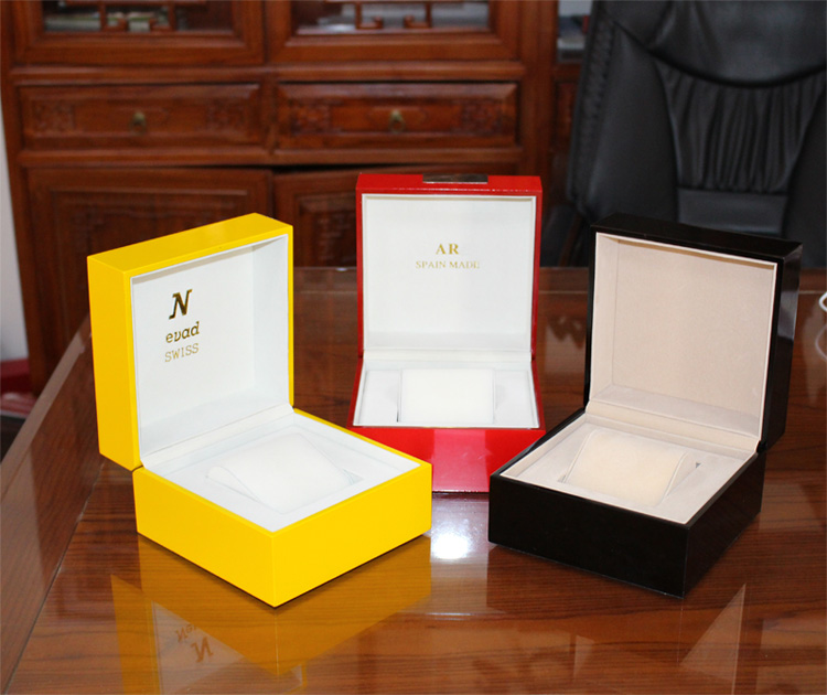 Cheap Single Wooden Watch Box With Wood Veneers