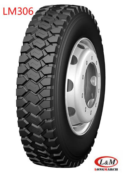 Chinese TBR Longmarch Roadlux Radial Truck Tire with ECE Certificate (LM306)
