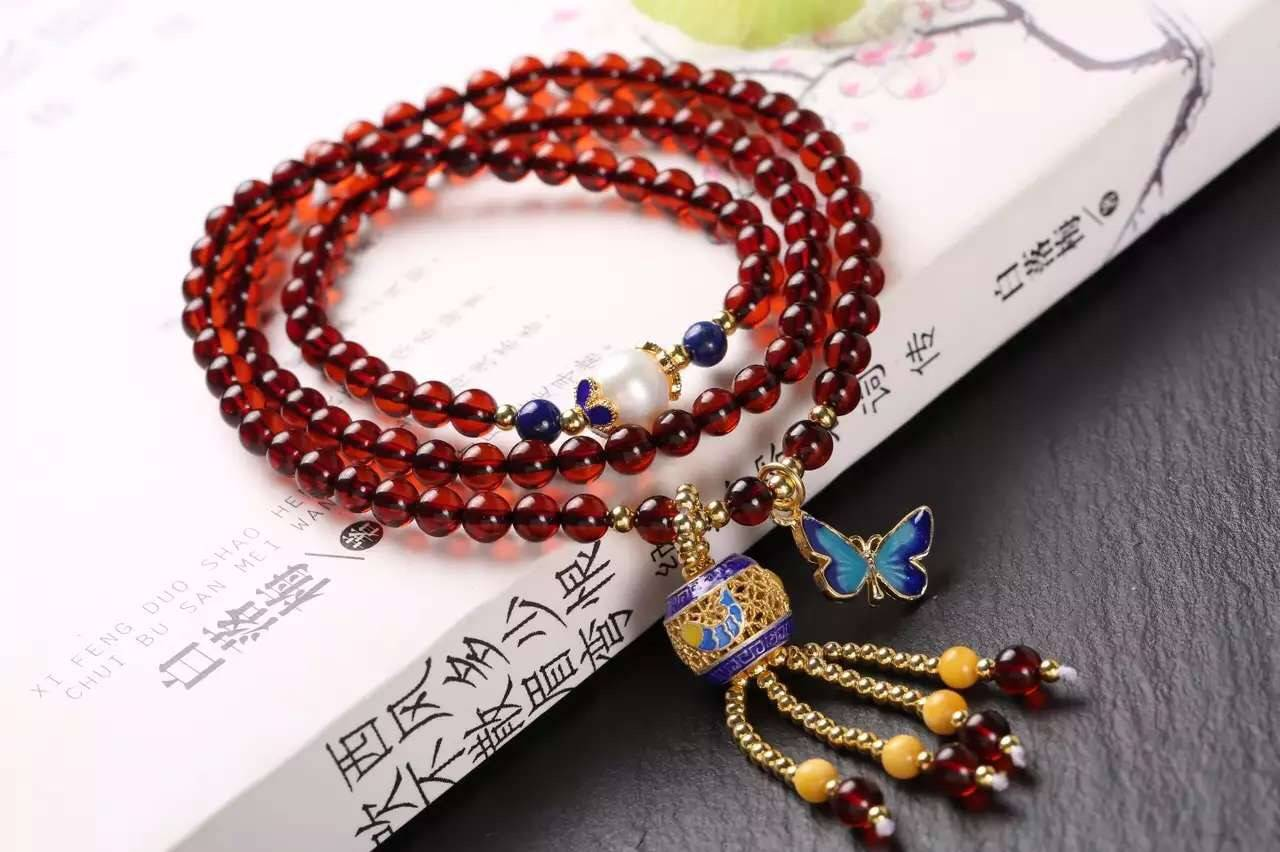 4 mm natural blood amber bracelet with S925 silver accessories natural beeswax bluing, lapis lazuli