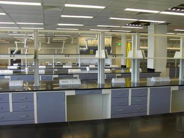 lab side bench,instructor bench,students bench